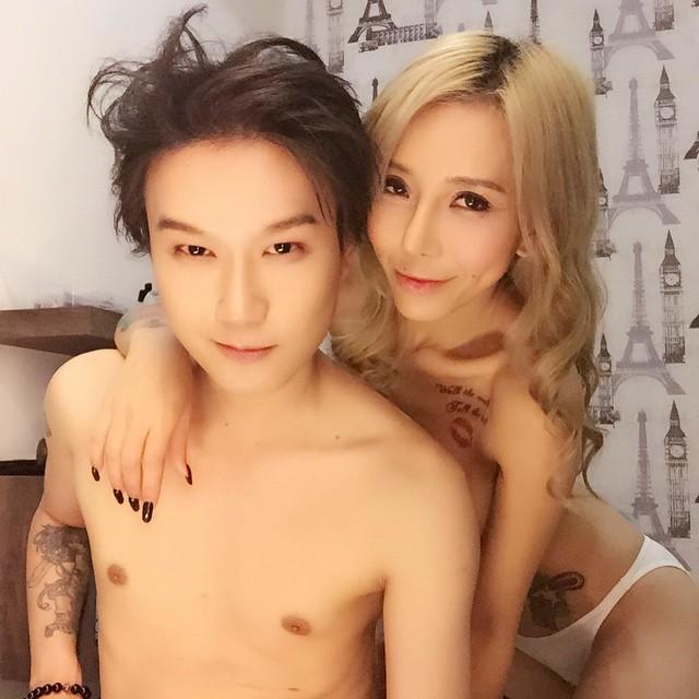 林雲和大馬第一MC結為夫妻全裸共浴?1