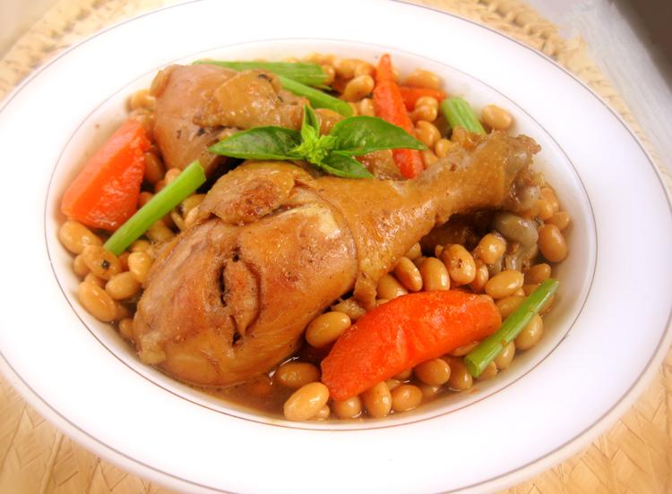 黃豆燜雞腿