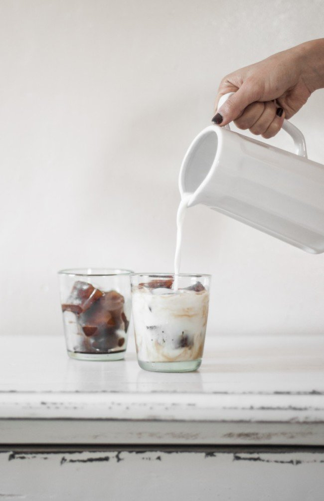 adaymag-9-genius-ways-you-should-be-using-your-ice-cube-tray-03