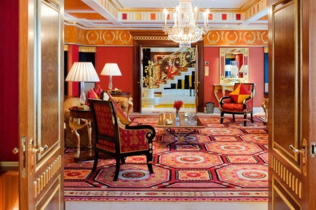 11Inside the most expensive hotels in the world