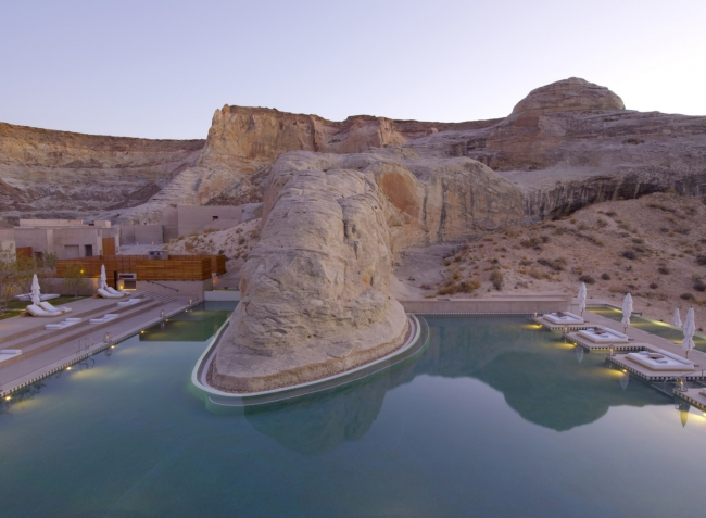 1Inside the most expensive hotels in the world