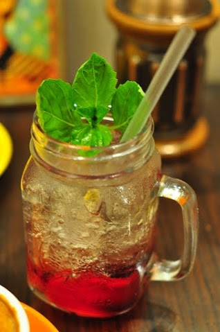 Strawberry Basil Soda (RM 15)